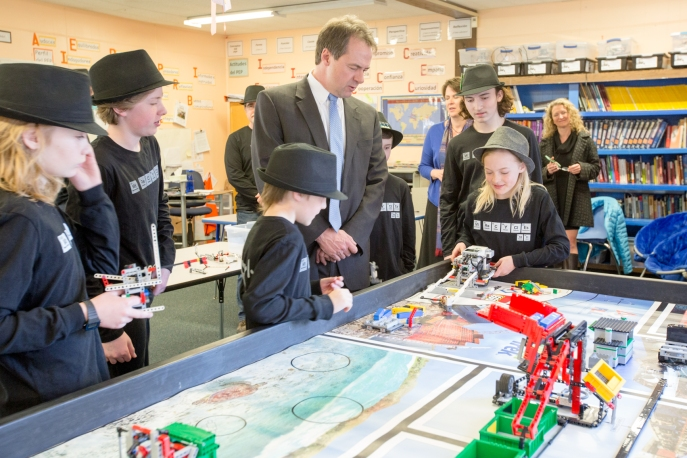 Governor visit to MIS 2016-91